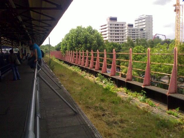 Platform 1 at  Clapham Junction railway station
