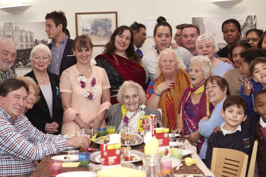 Members of the Women of Wandsworth group and residents of Haven Lodge celebrate Diwali, 11th November 2015. © Mike Pinches