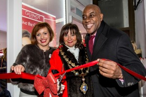 TV chef Ainsley Harriott inaugurates the Earlsfield Christmas Lights
